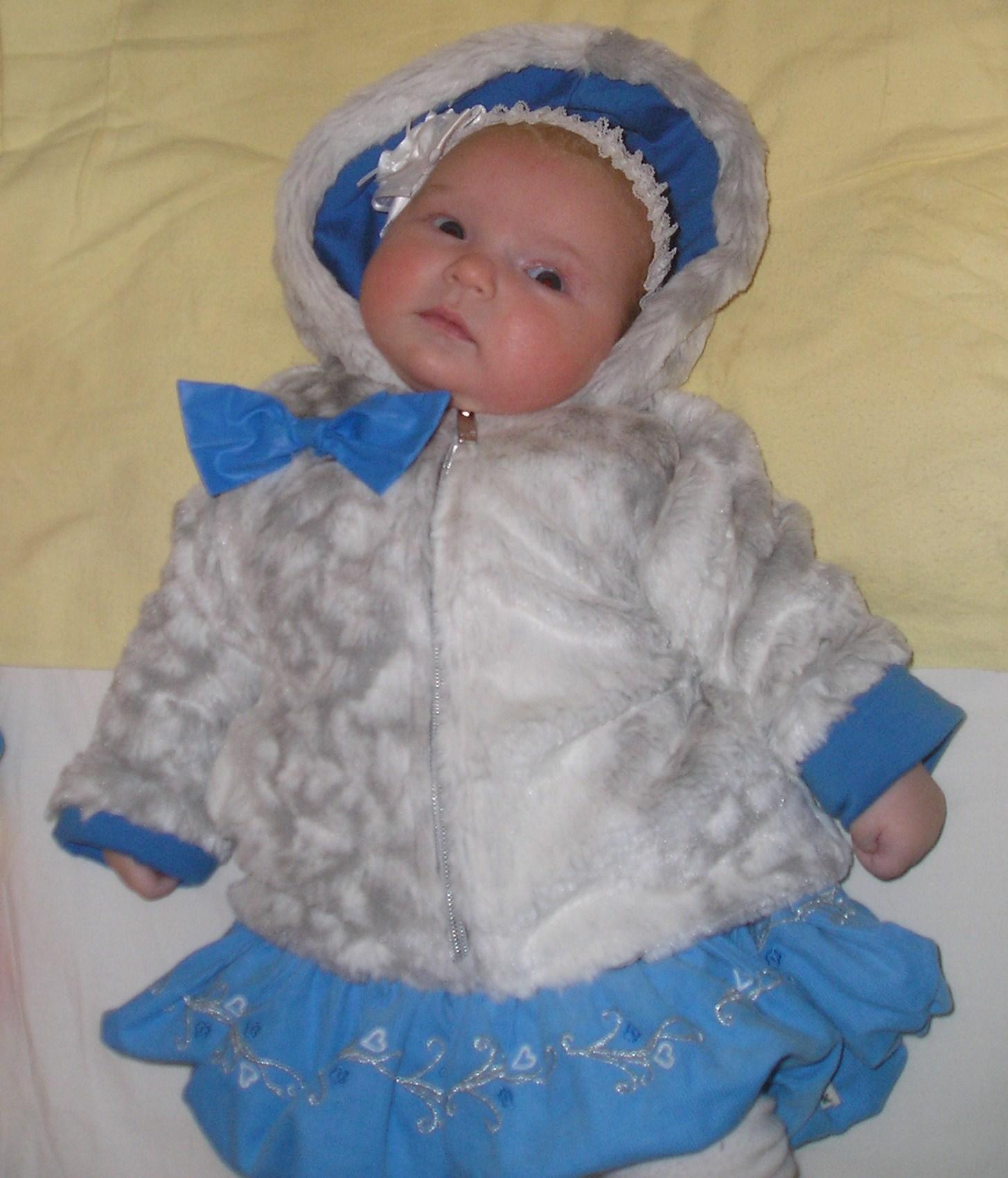 Маленькая снегурочка!. Новогодний карнавал
