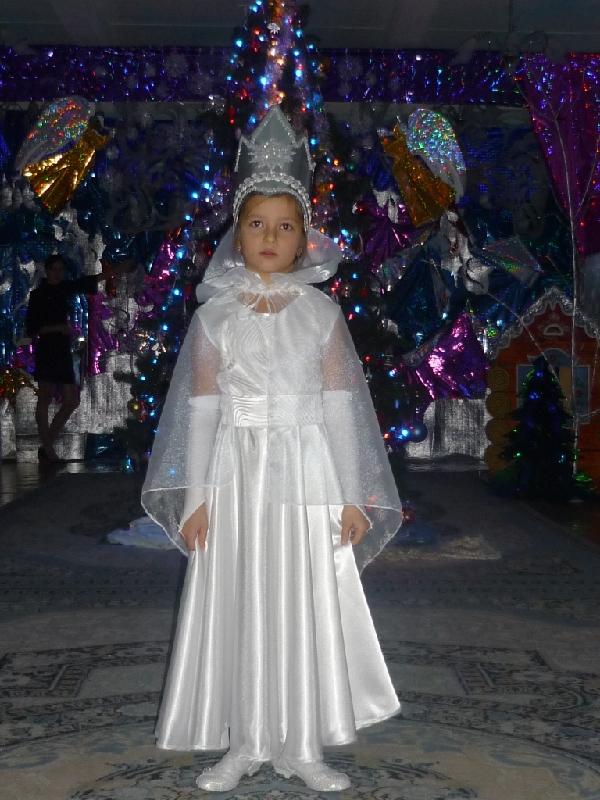 королева снежная. Новогодний карнавал