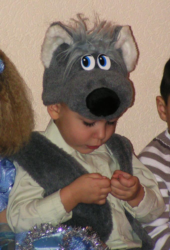 В Новый Год волки тоже добрые и послушные!. Новогодний карнавал