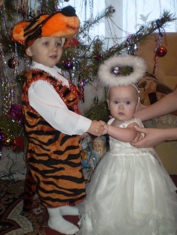 Рома и Катя. Новогодний карнавал