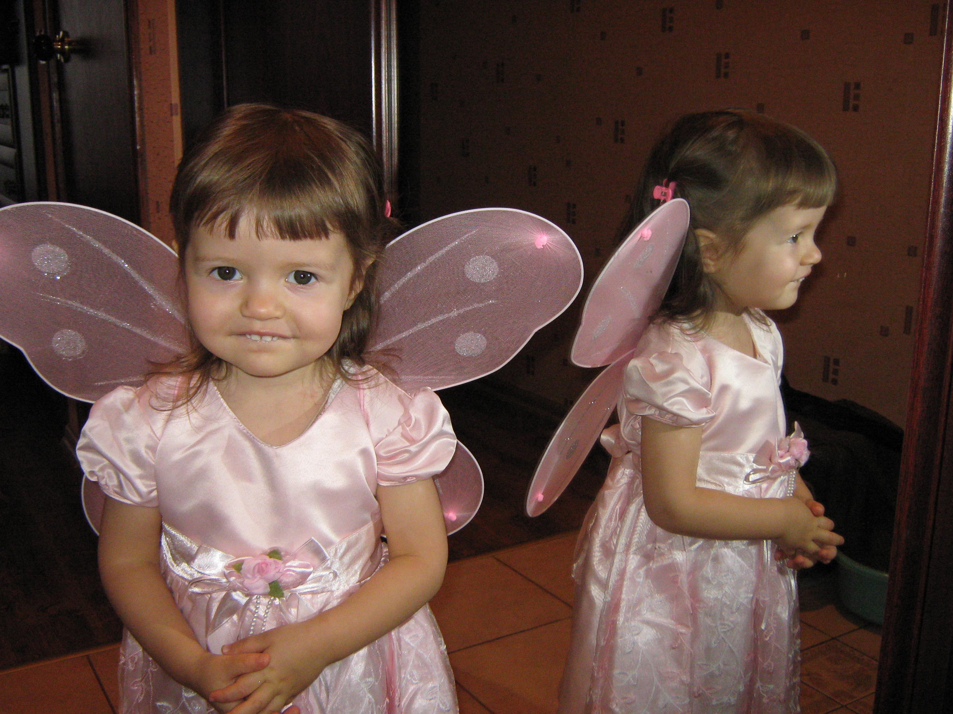 Катя -Бабочка хохотушка . Новогодний карнавал