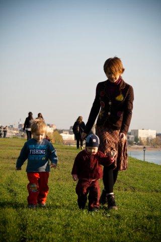 активный выгул :). С мамой на прогулке