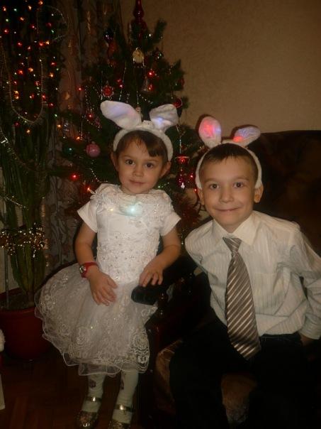 Зайчата под ёлочкой!!!. Новогодний карнавал