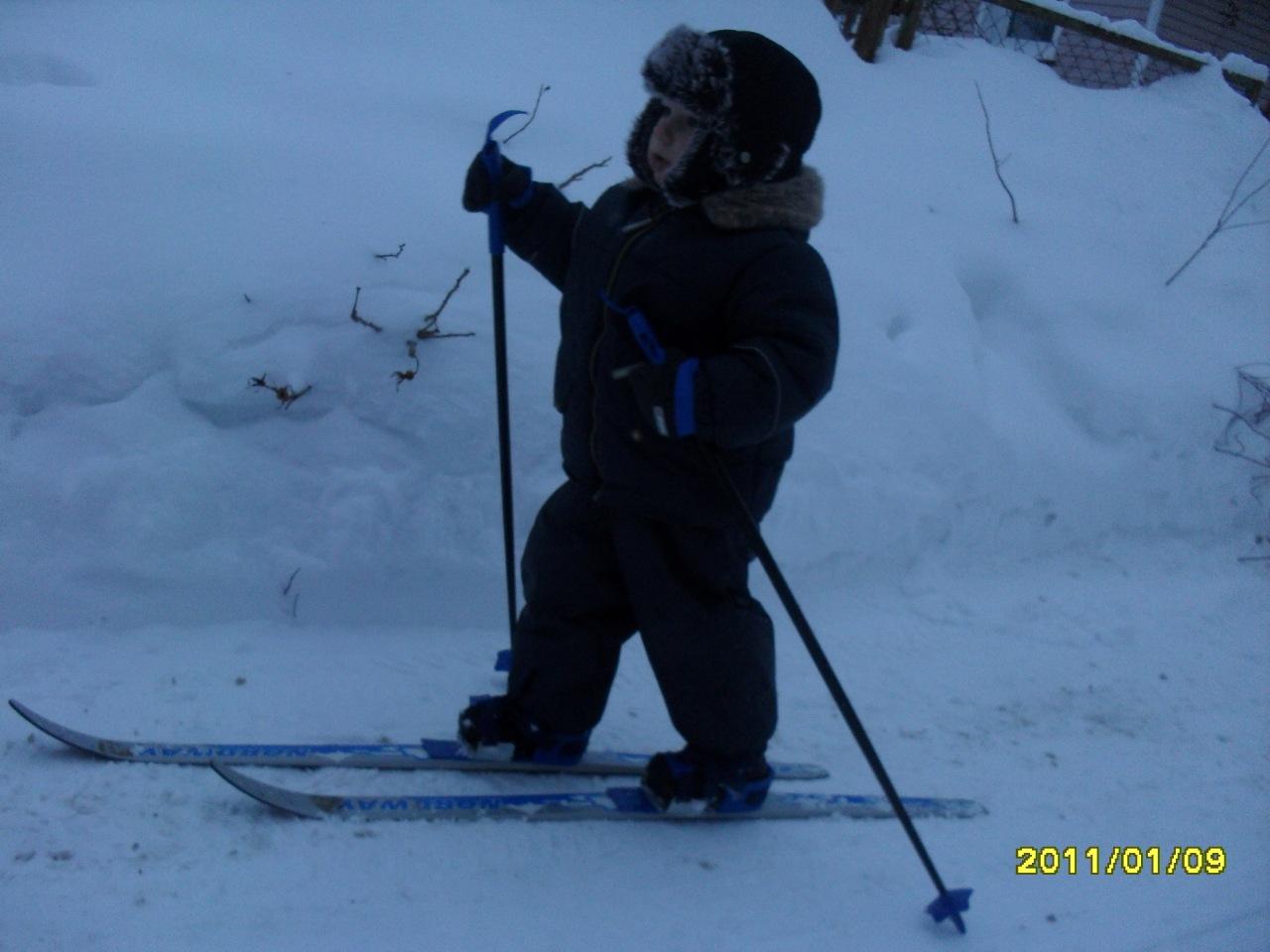 На лыжи поставили раньше, чем научили ходить!.