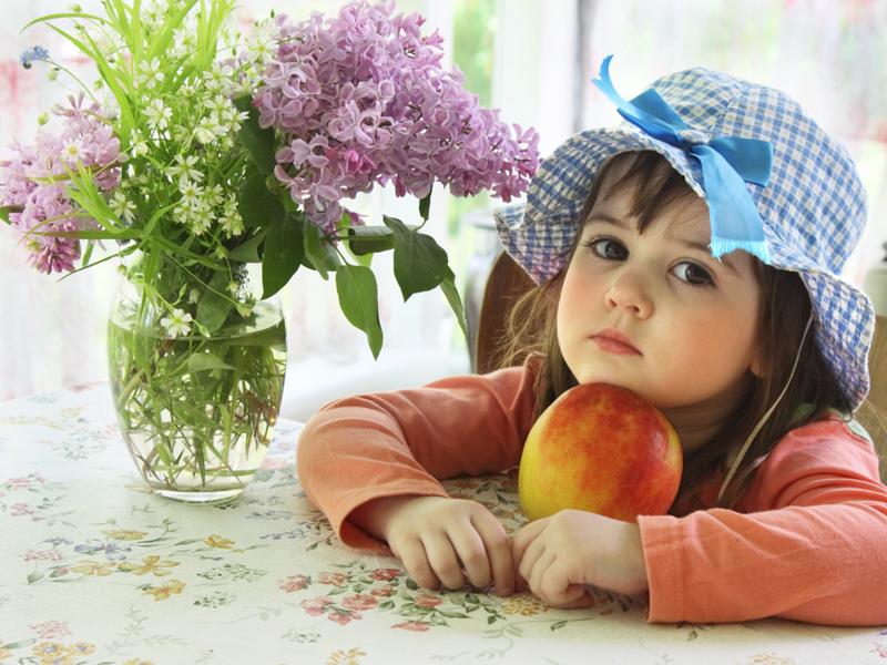 Разве сравнишь яблоко с конфетой?-Давай сравню.. Перламутринки