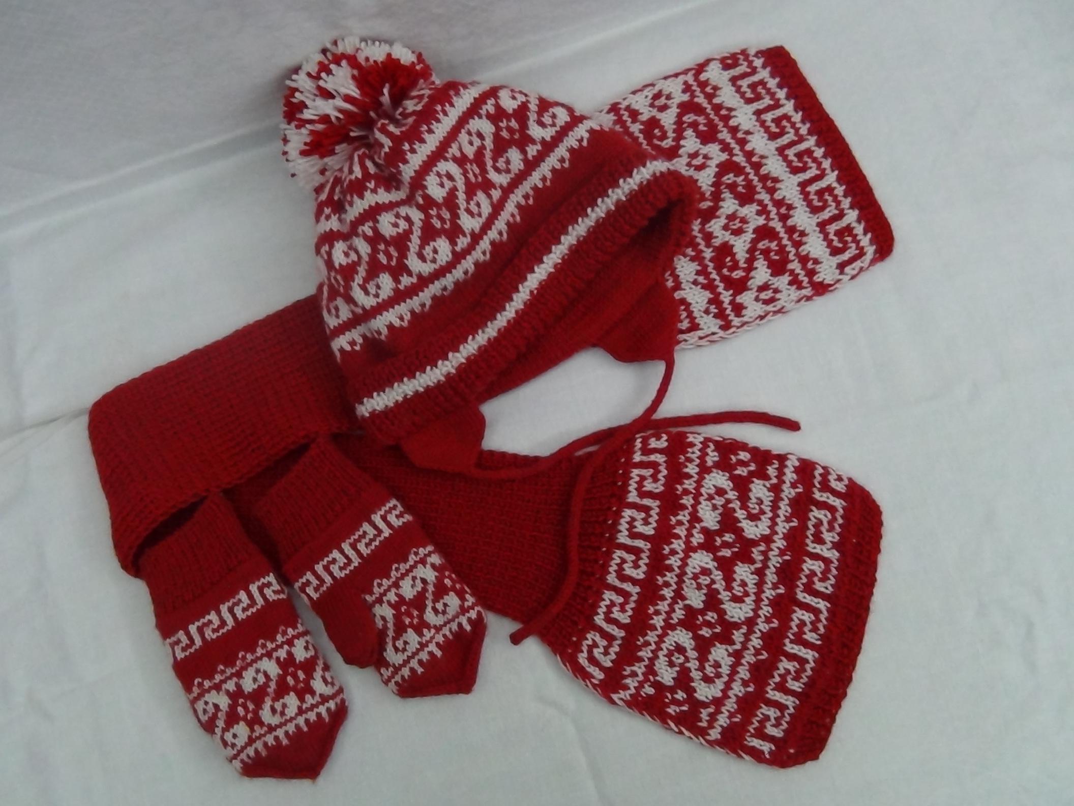 Зимний комплект на девочку 2 года. Шапки, шляпки, панамки и др.  вязаные головные уборы