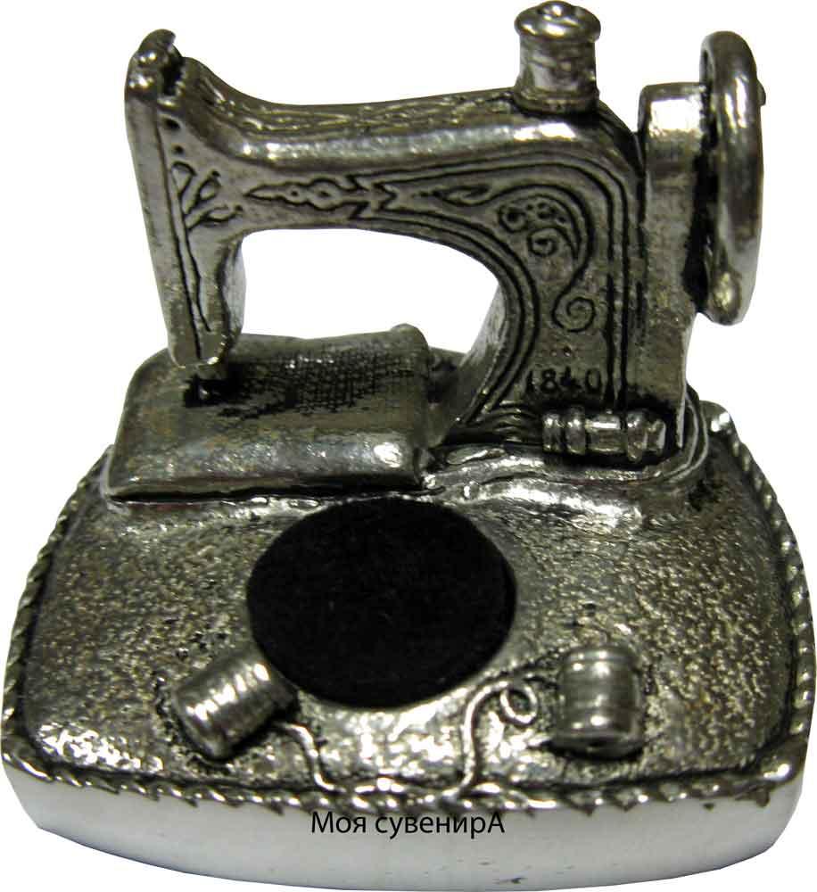 Игольница Швейная машина.. Шкатулки, корзинки для рукоделия, приспособления