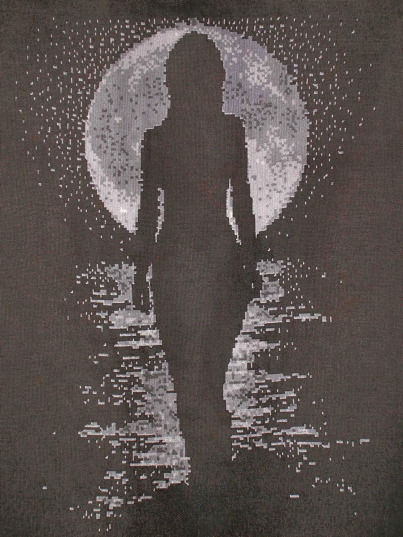 Лунная дорожка 100 %. Женские образы