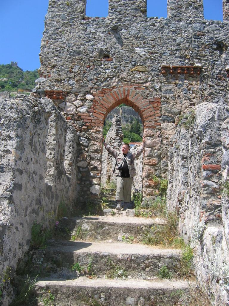 Древние стены, Турция, Аланья. Вокруг света