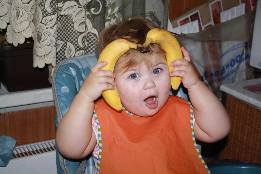 Олеся - наш любимый маленький овен. Привет, малыш! Под каким знаком ты родился?