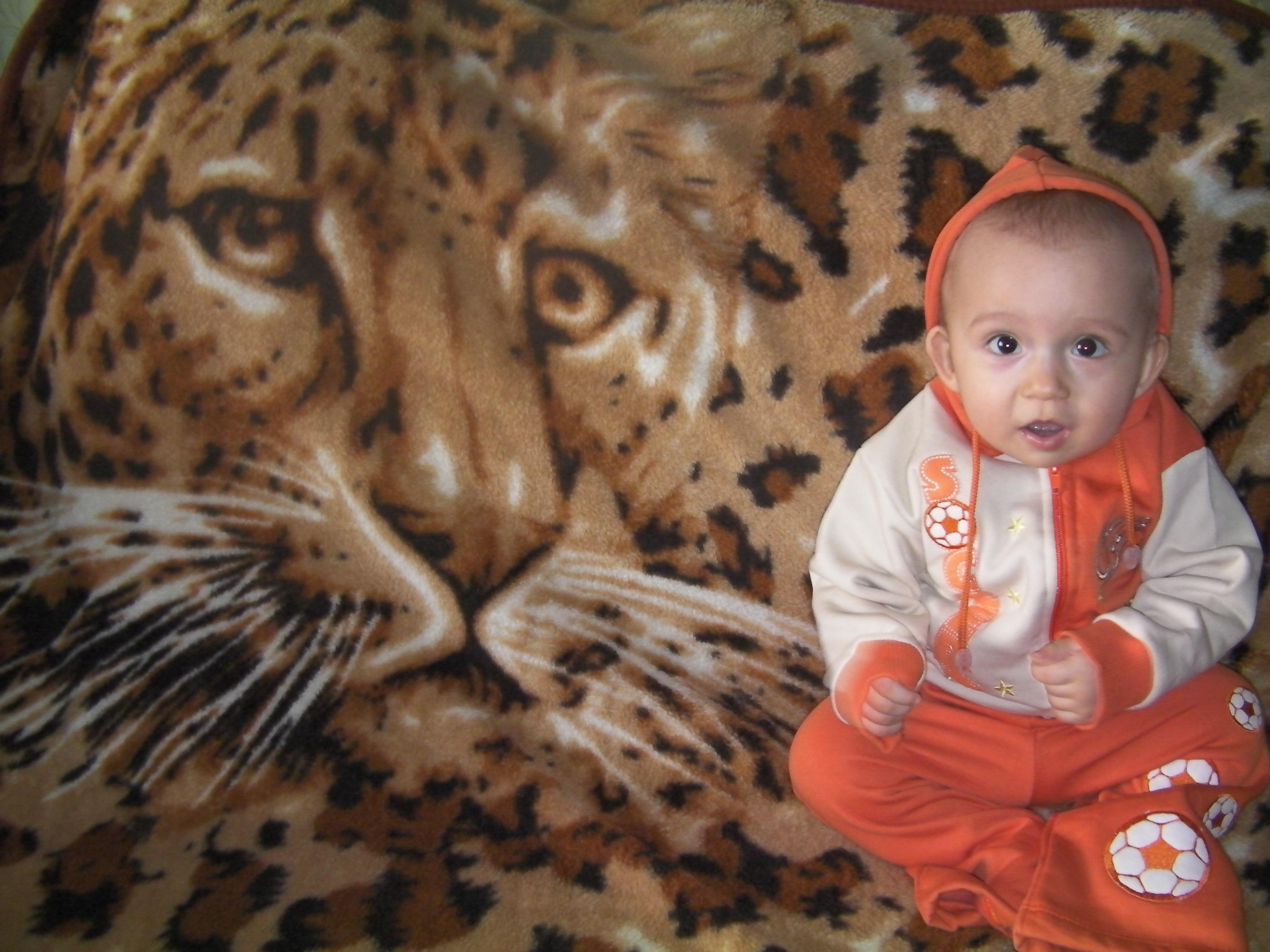 Вовочка-маленький лев!!!. Привет, малыш! Под каким знаком ты родился?
