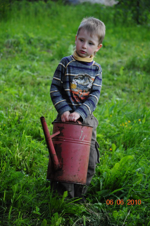 Помощник. уДачное детство