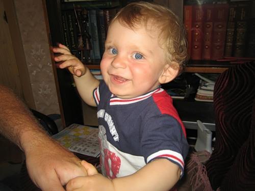 Диме 10 месяцев. Дети улыбаются