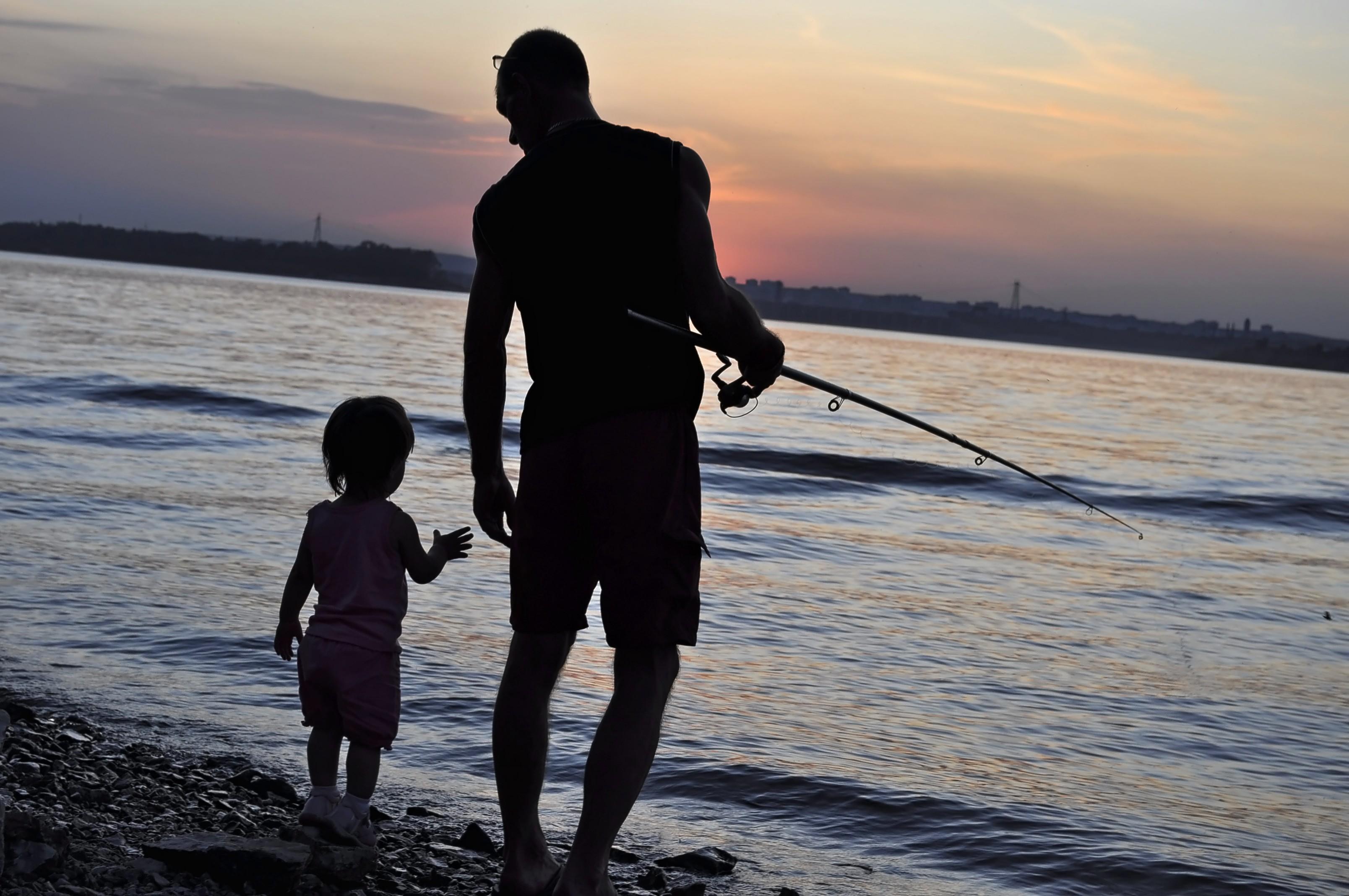 Папа,доча и закат..... Моря и другие водоемы