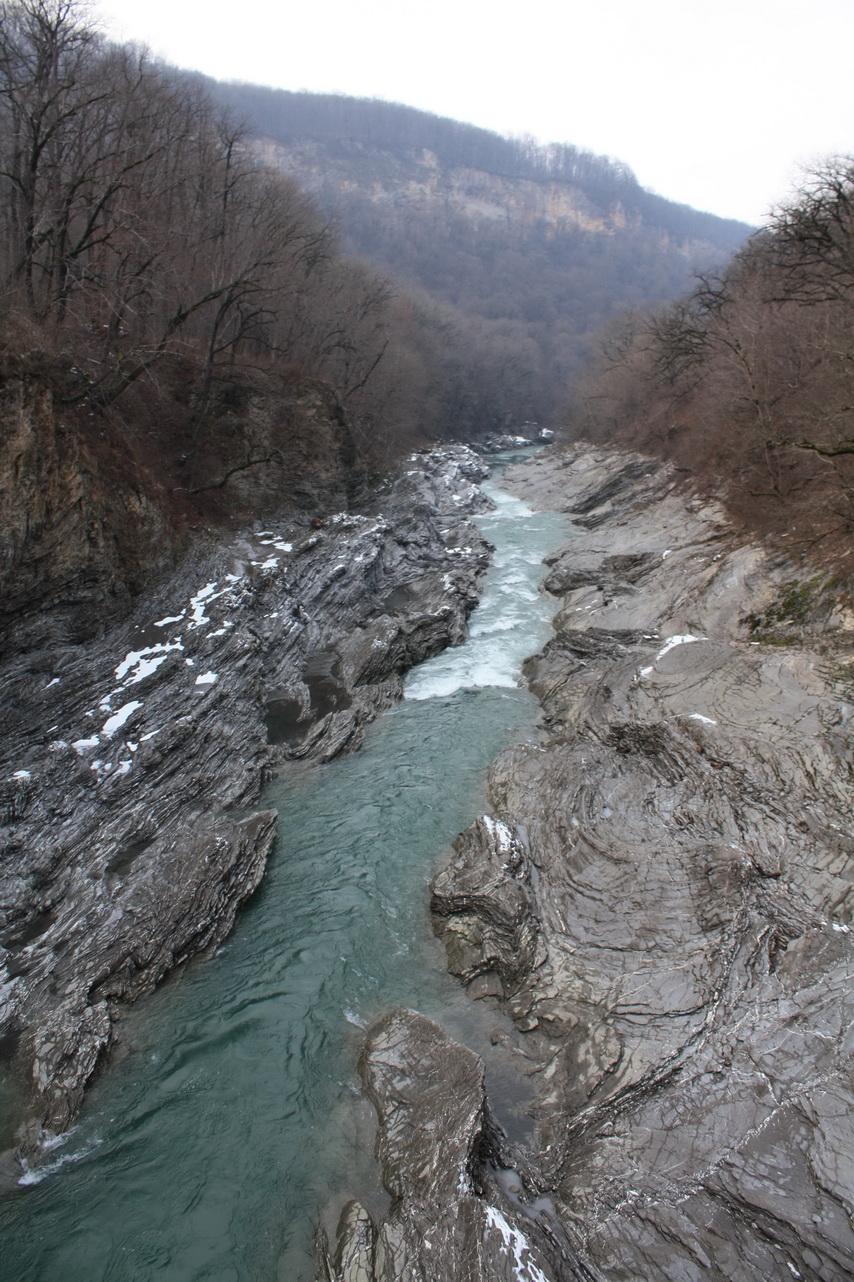 Каменные берега реки Белая, респ. Адыгея. . Блиц: камни