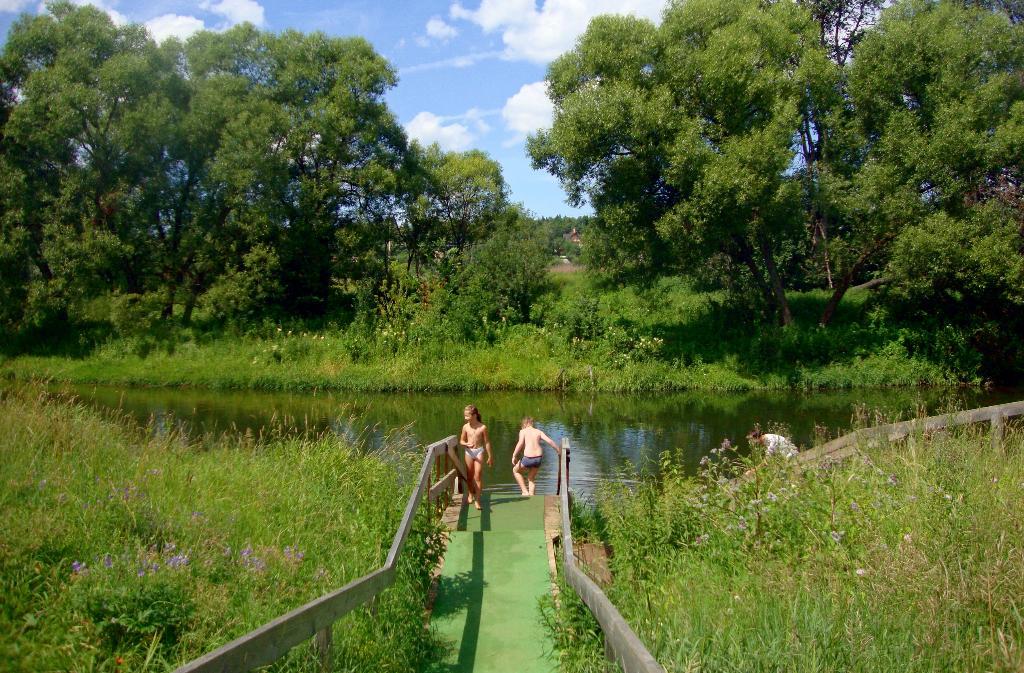 Лето - пора купания.. Блиц: зеленое