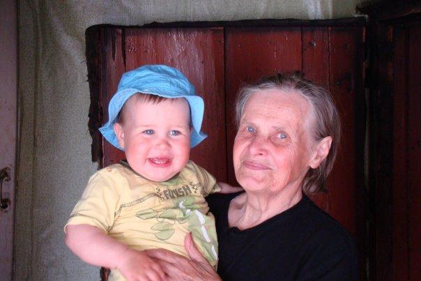 дачница - прабабушка.