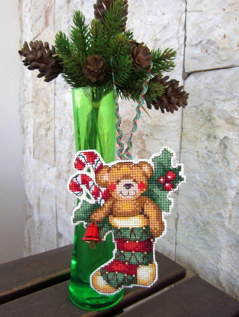 27 - Lyasia для Kura. 2012 Новогодняя игрушка
