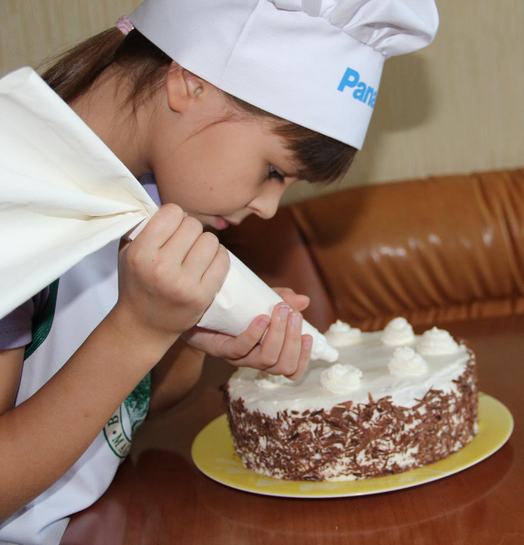 Торт почти закончен.. Закрытое голосование фотоконкурса 'Пальчики оближешь'