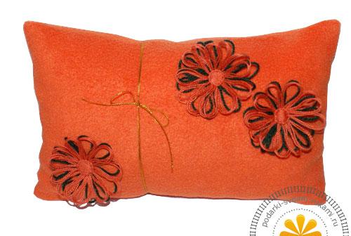 Декоративная подушка из флиса. Идеи поделок своими руками