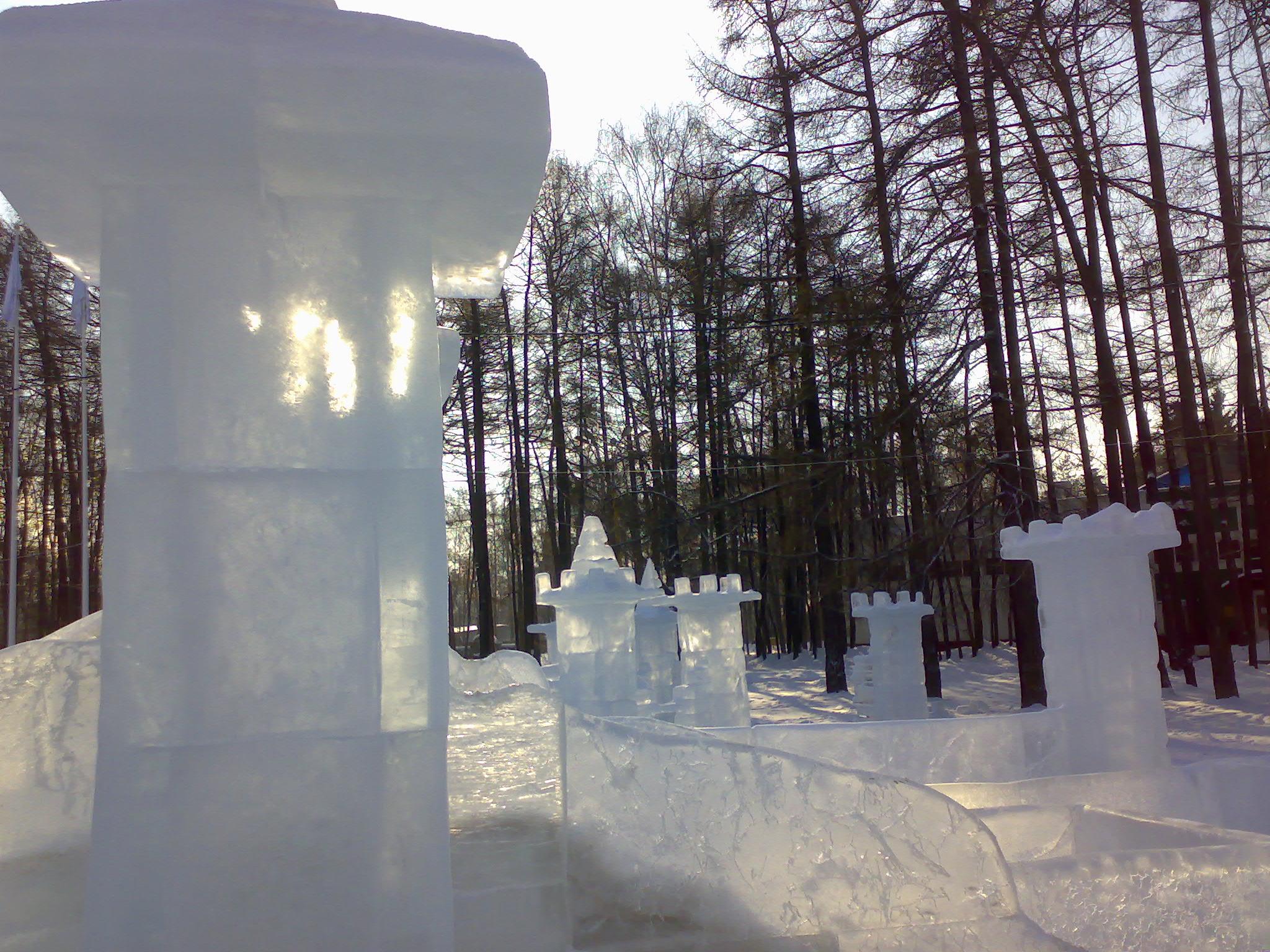 Минус двадцать. Блиц: фигуры из снега и льда