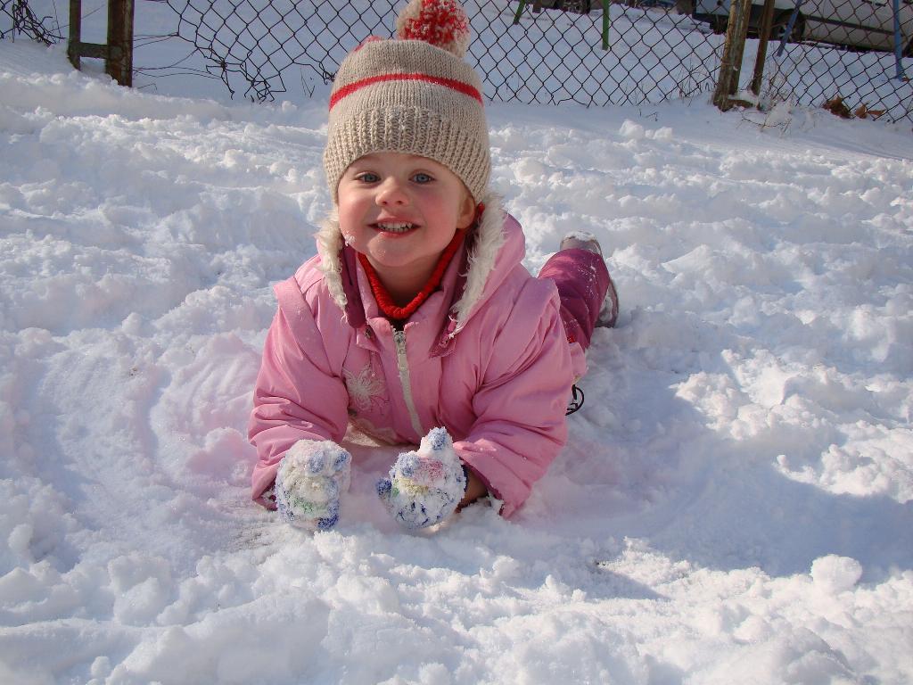 Снега Дождалась!!!. Хохотушки