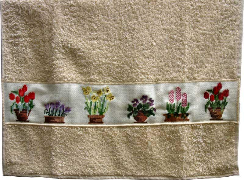 Полотенце с вышивкой 'Цветочные горшки'.. Растения (в основном цветы)