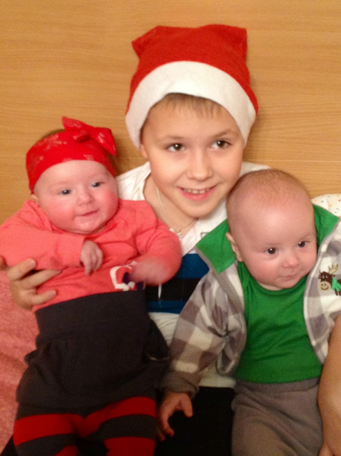 Двойняшки - лучший подарочек нашей семье:)). Мамина радость: лучший мой подарочек - это...
