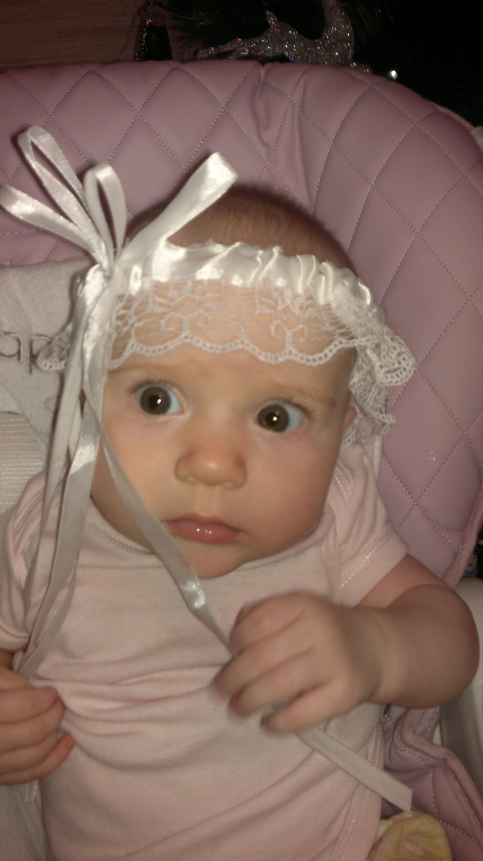 Юляшка -Улыбашка  застенчивая дочурка. Мамина радость: лучший мой подарочек - это...