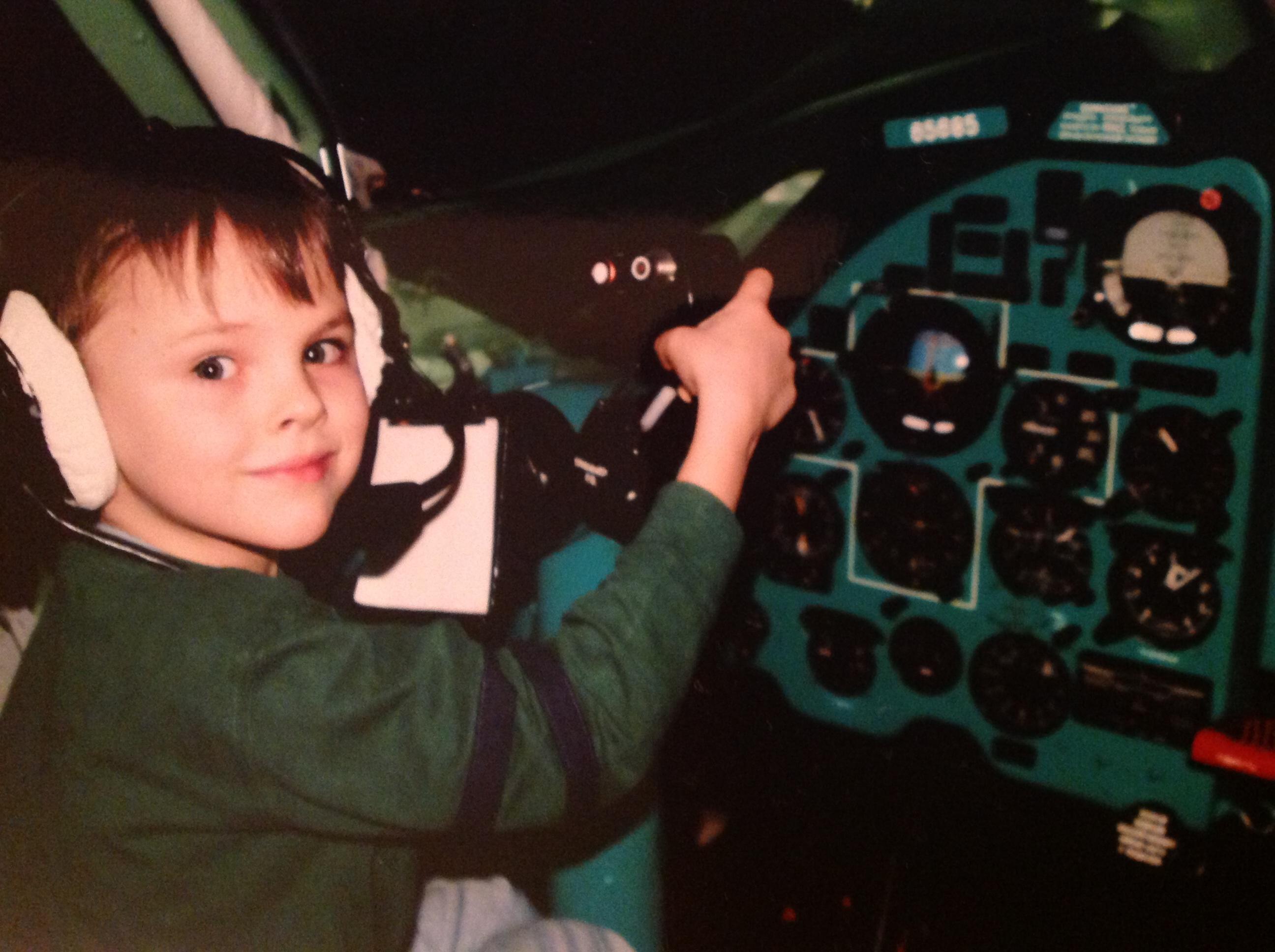 Я бы в летчики пошел, пусть меня научат .. Первым делом - самолеты!