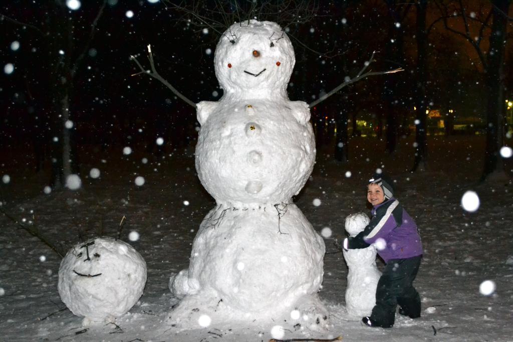 Мы не ели, мы не пили, бабу снежную лепили...-)). В гостях у снеговиков