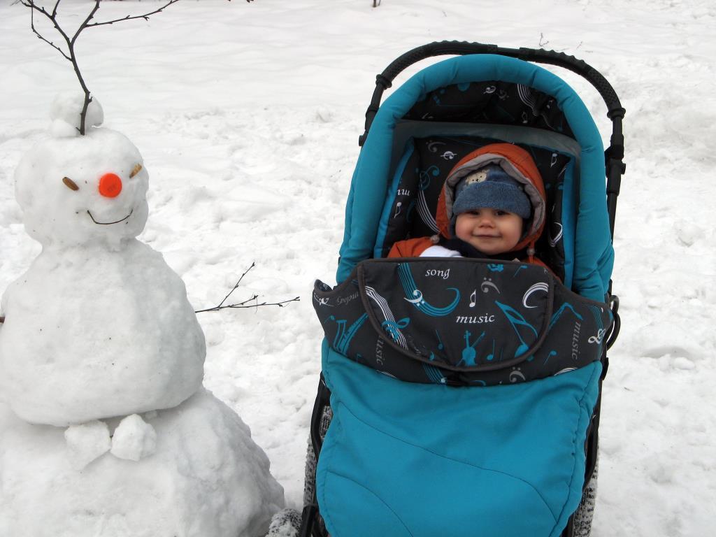 Первый снеговик. В гостях у снеговиков