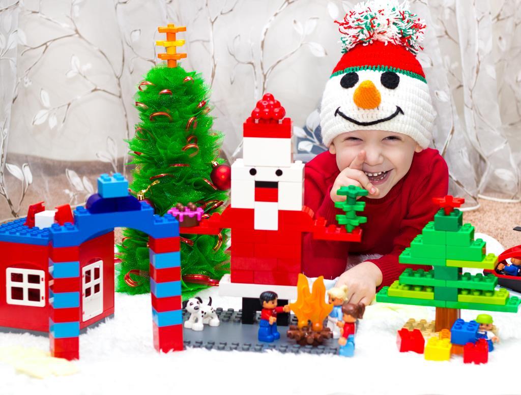 Наш Новогодний ЛЕГО-Город!!!. Закрытое голосование фотоконкурса 'Наряди елку с LEGO'