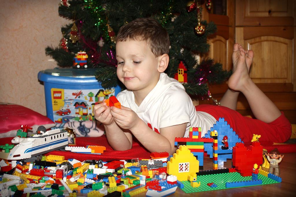 Любимый Лего.. Наряди елку с LEGO