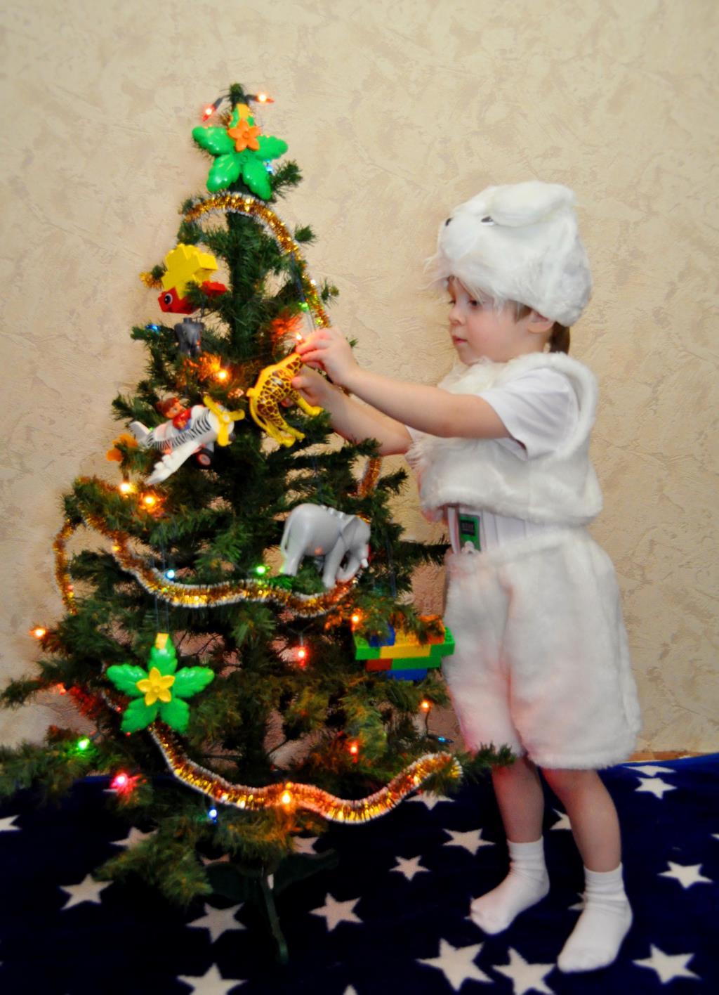 Я с любимым DUPLO , встречу Новый год!. Наряди елку с LEGO