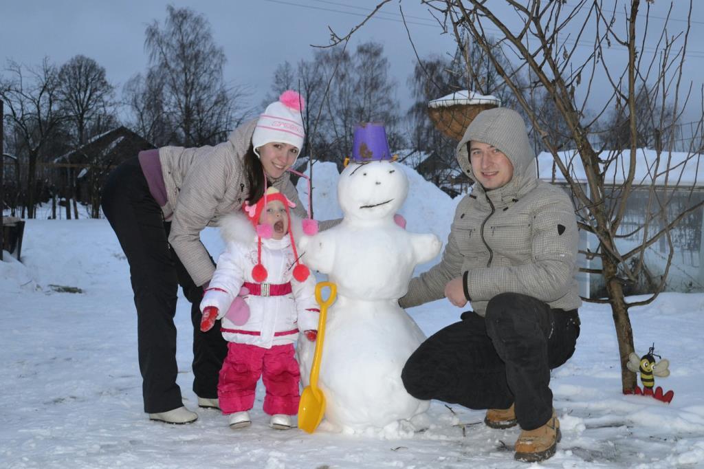 Наш первый снеговик!. В гостях у снеговиков