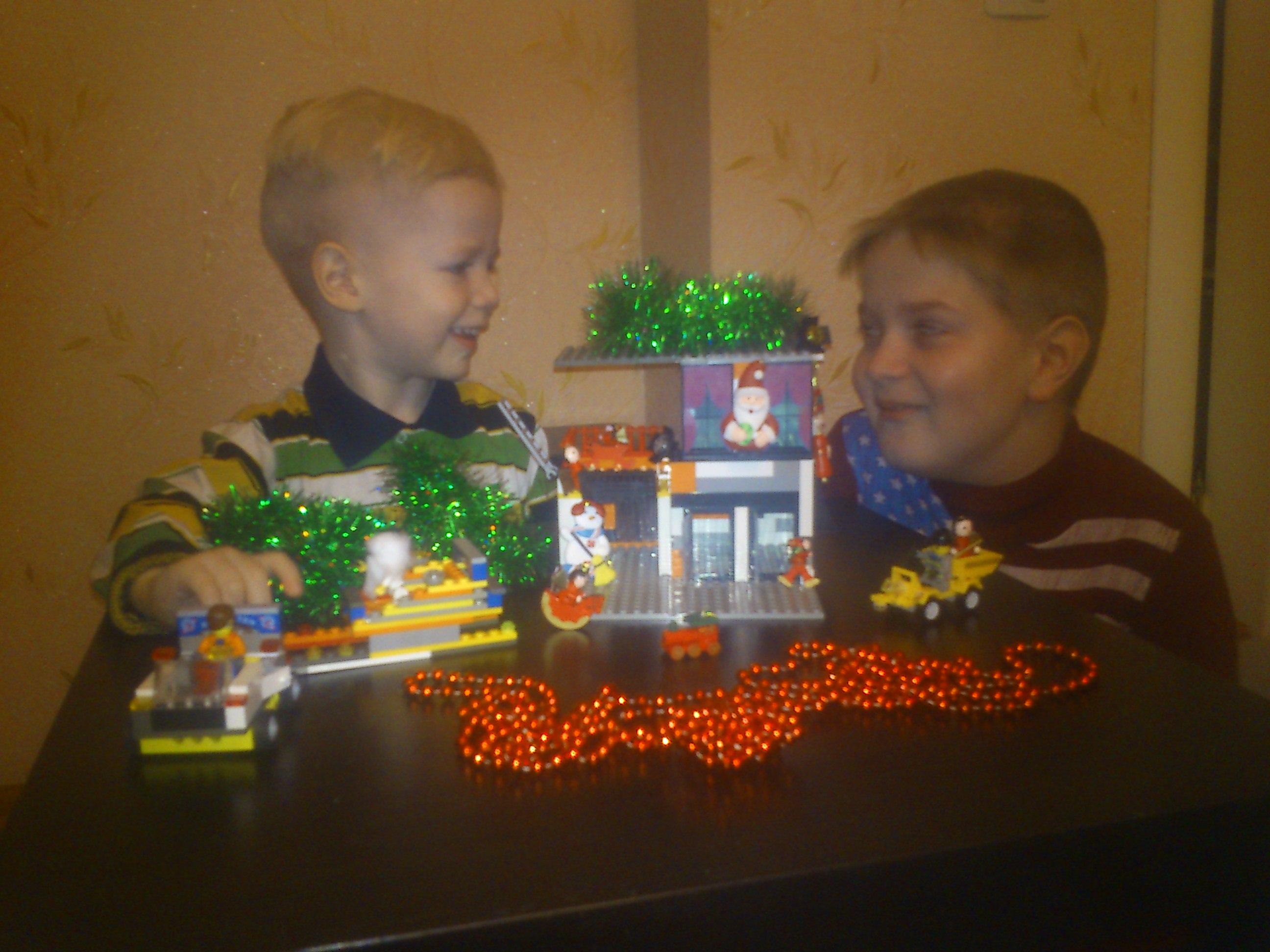 Лего-резиденция Лего-Мороза)). Наряди елку с LEGO