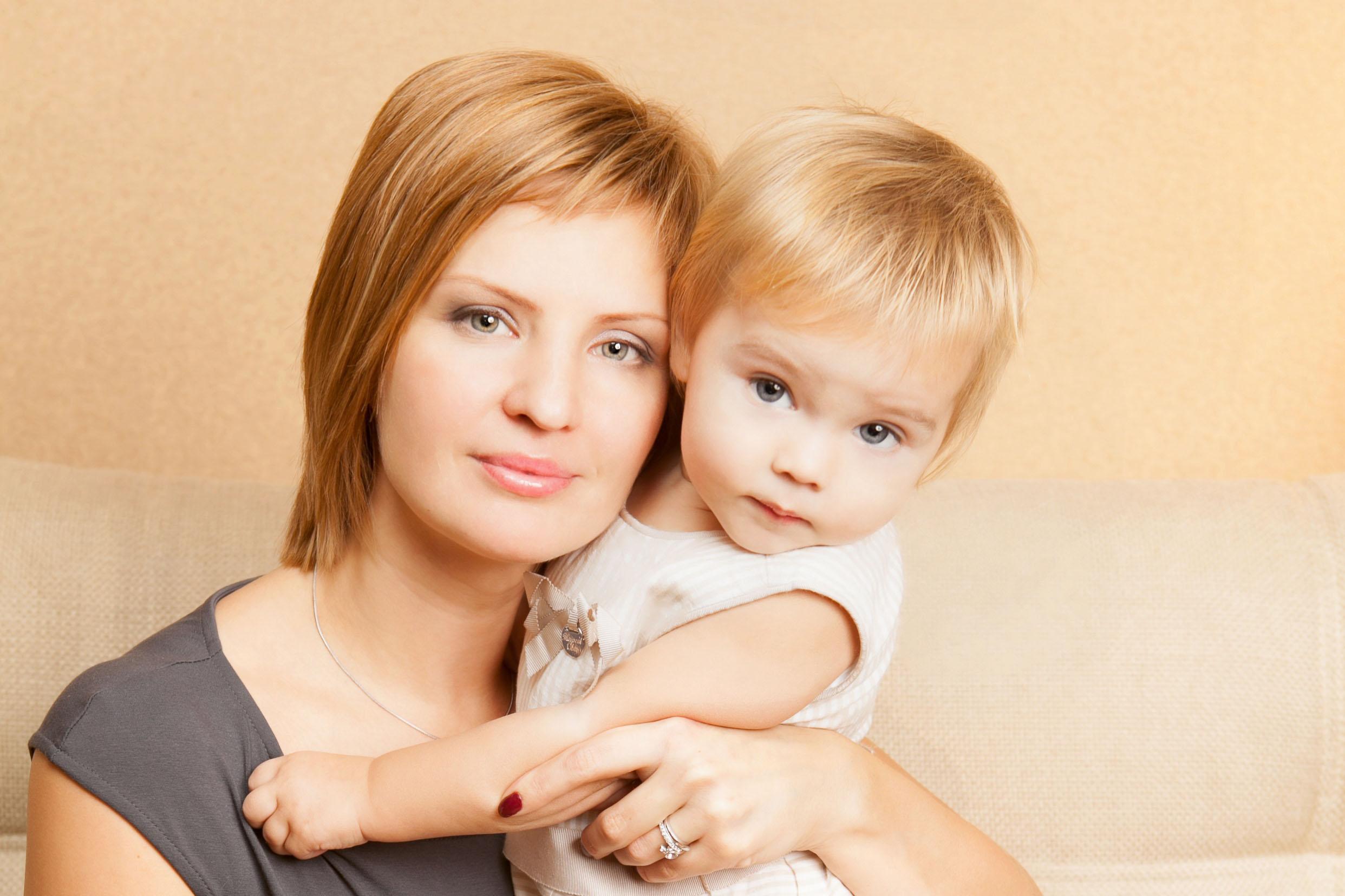 Вера и Сашенька. Вместе с мамой