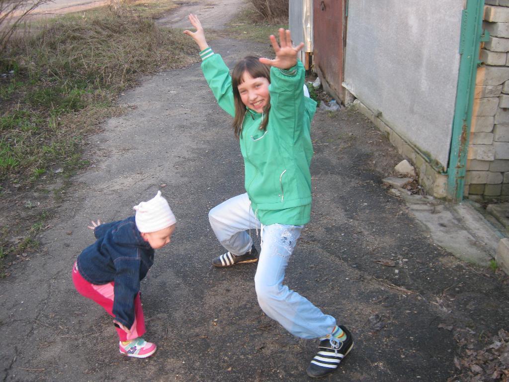Танцы..танцы..танцуют девчонки.... Танцуй, пока молодой!