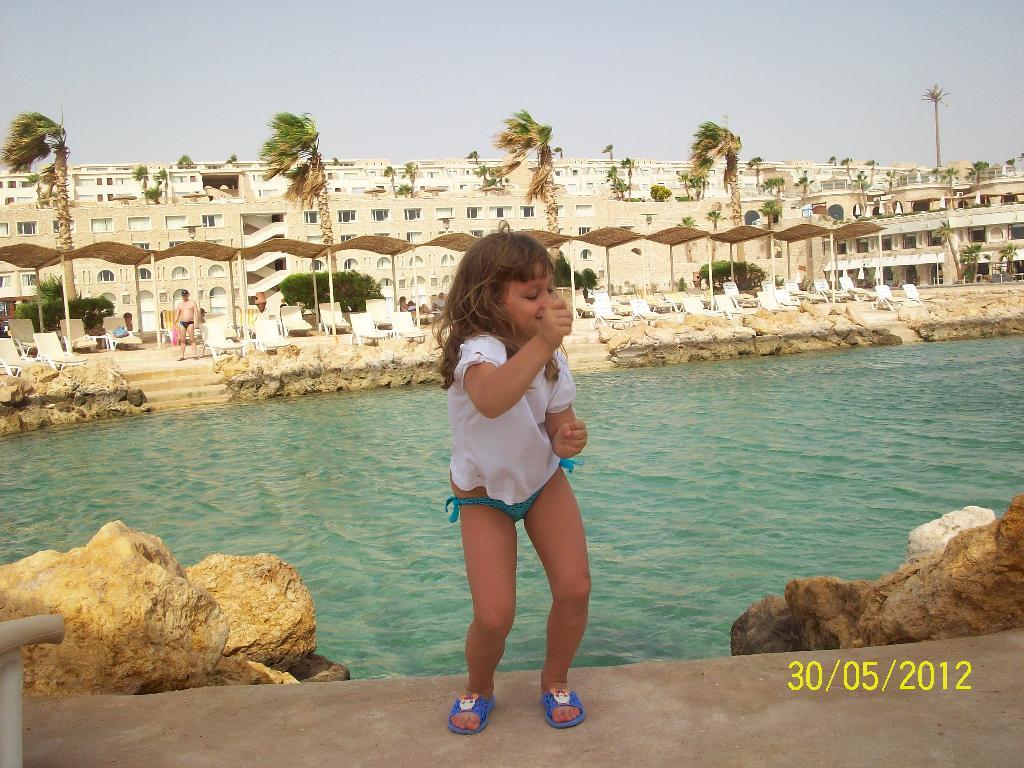 Танцы на море. . Танцуй, пока молодой!