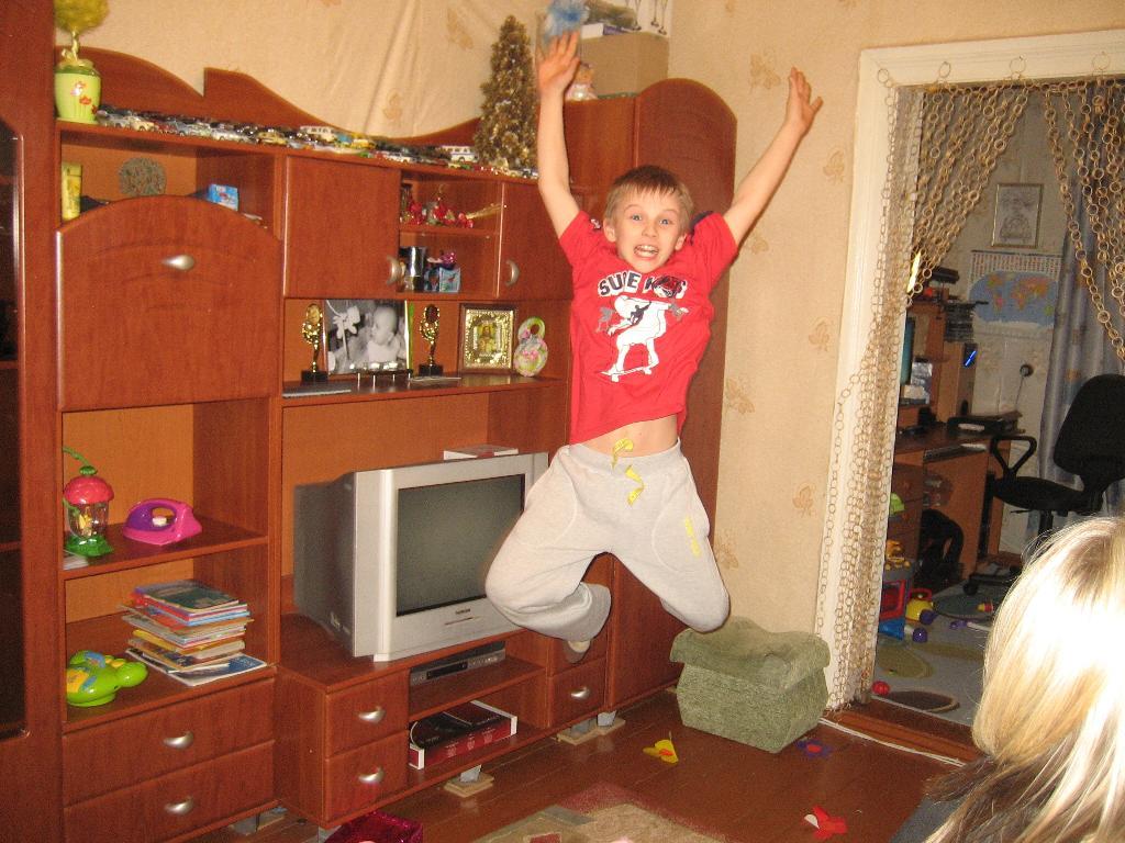 Танцуй пока молодой!. Танцуй, пока молодой!