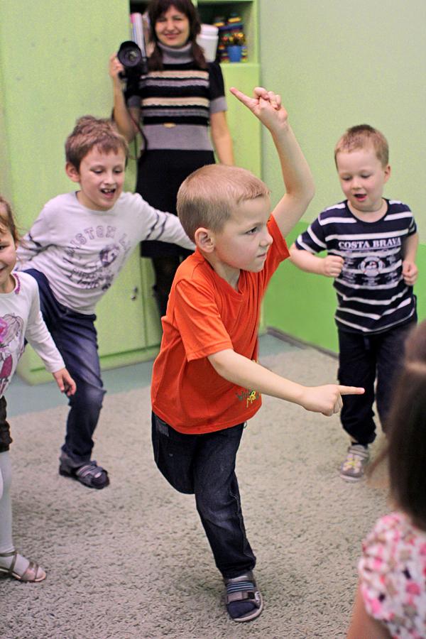 Танцевальный экспромт =). Танцуй, пока молодой!