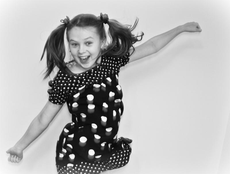 Весело-превесело!. Танцуй, пока молодой!