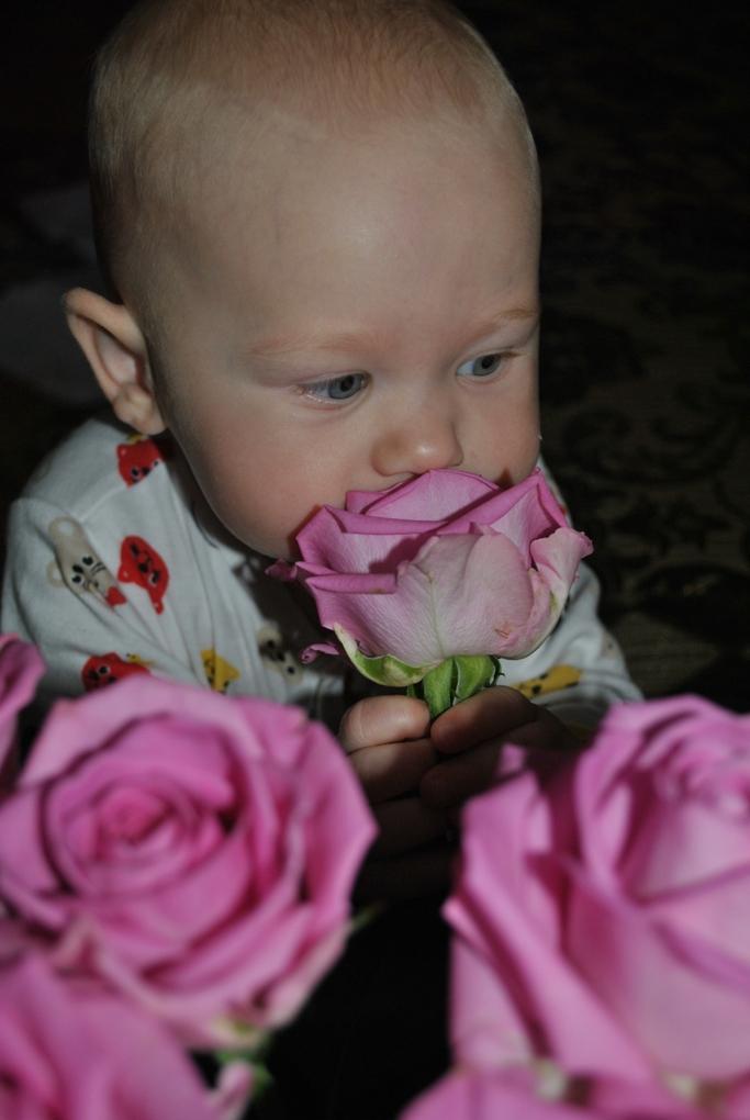 Даша и цветы. Цветочное настроение