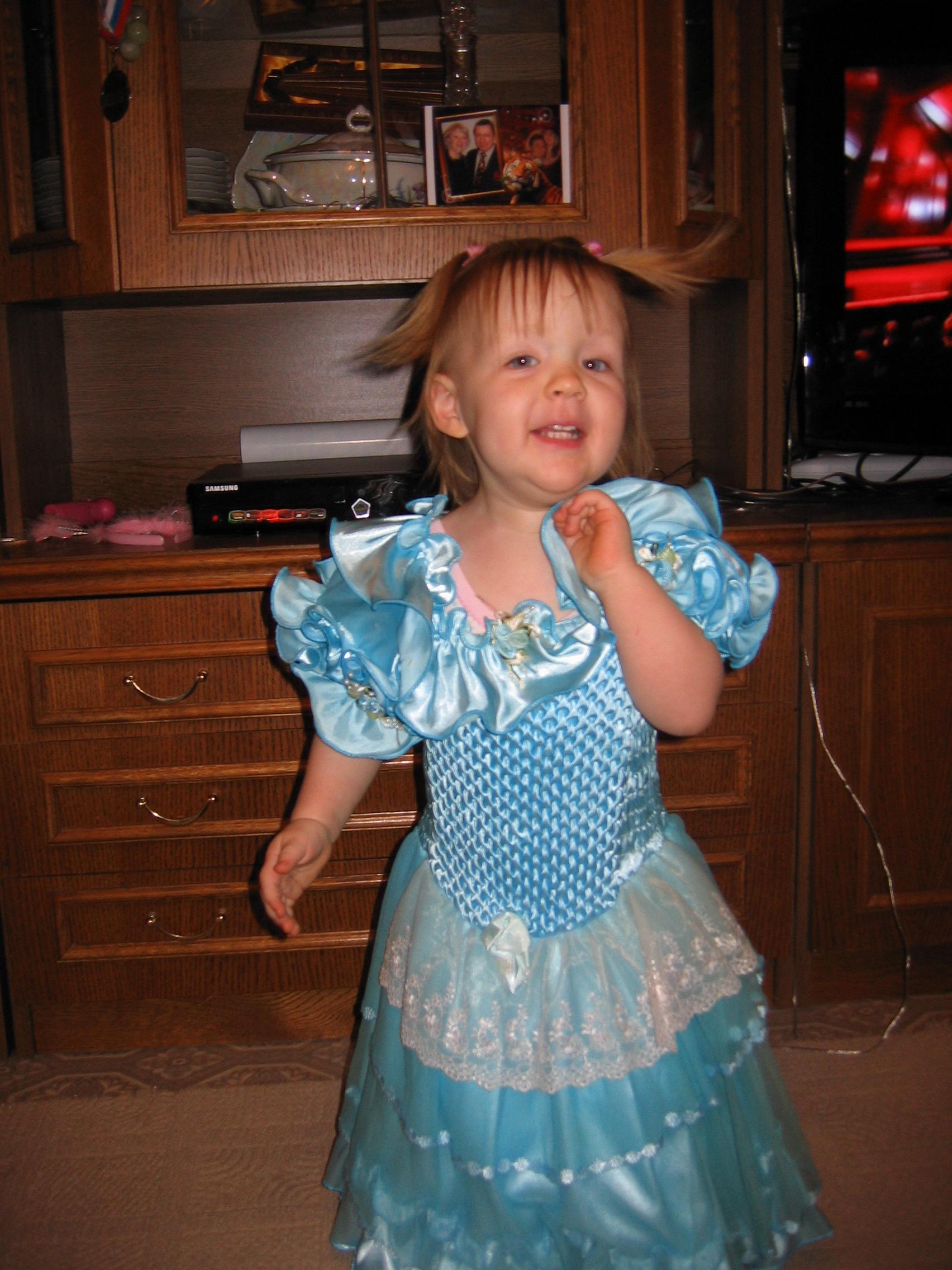 Я не только танцевать, ещё и петь умею!!!!. Танцуй, пока молодой!