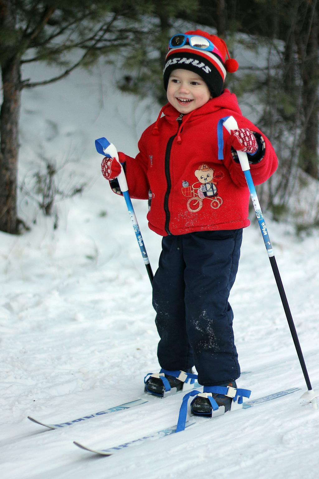 Картинки лыжники дети, делают открытки мая