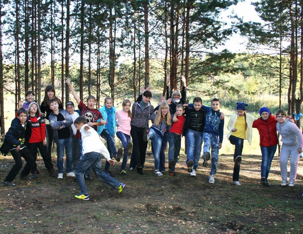 Дружные 'КЛАСС'ные танцы на природе!. Танцуй, пока молодой!