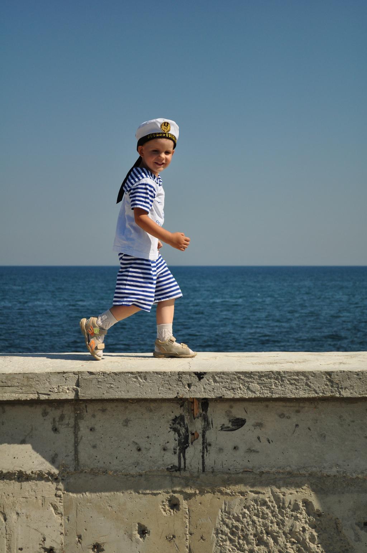 Побегу скорей на море. Побегаем-попрыгаем