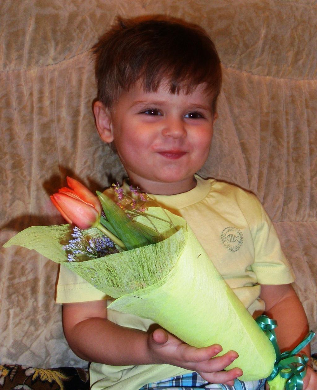 Я цветочек маме подарю!. Цветочное настроение