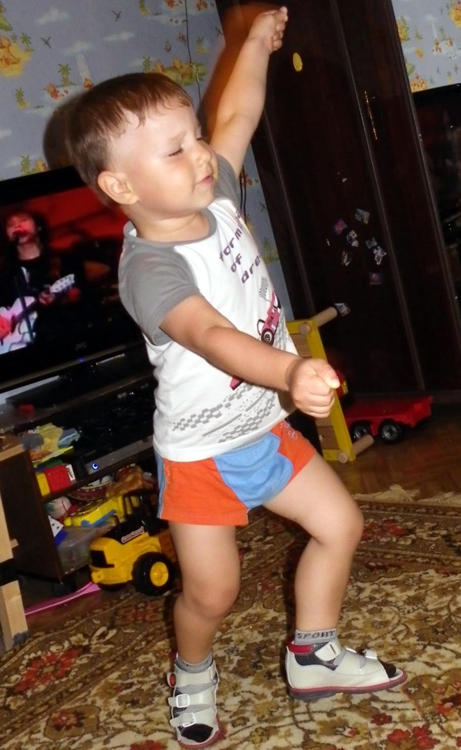 Модный Танец Арам Зам Зам -))). Танцуй, пока молодой!